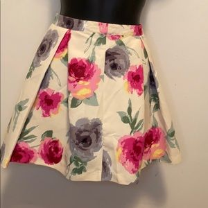 Forever 21 Cream & Pink Floral Pleated Skirt - D16